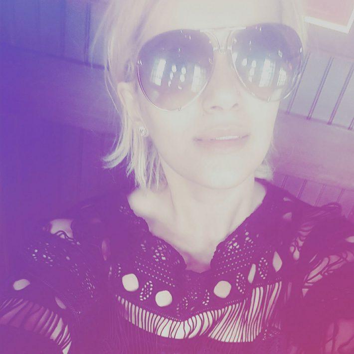 Blondie Bloggin'